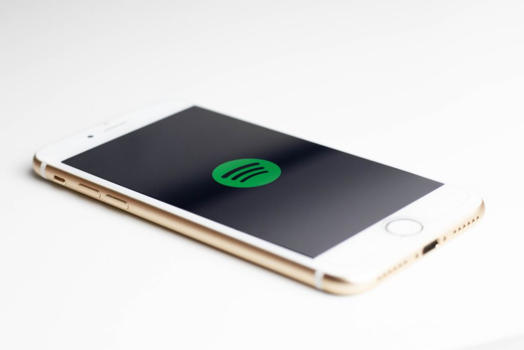 spotify współtworzone playlisty