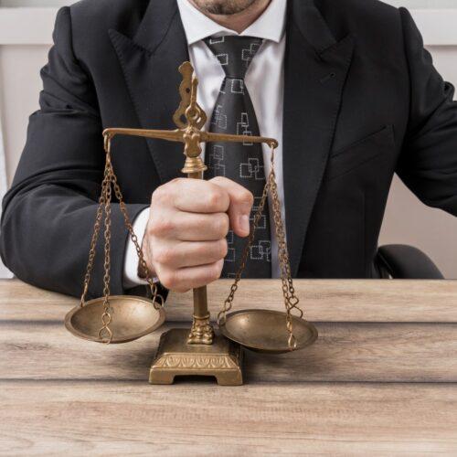Wolność dziennikarska a prawo